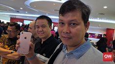 Beritaragam.com - Kedatangan duo iPhone 7 dan iPhone 9 ke Indonesia disambut baik konsumen. Smartfren menyebut jumlah pesanan ponsel Apple yang mereka terima melampaui target.   #313 #Aksi #iPhone 7 #iPhone 7 plus #Smartfren