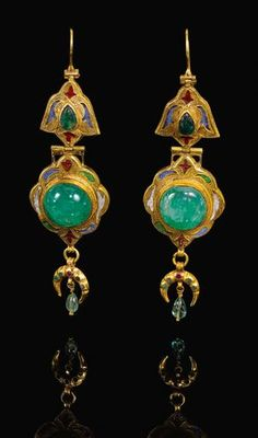 Gold, Emerald and En Gold, Emerald and Enamel Earrings, Century Tribal Jewelry, Boho Jewelry, Jewelry Art, Jewelry Gifts, Fine Jewelry, Jewelry Design, Fashion Jewelry, Ancient Jewelry, Antique Jewelry