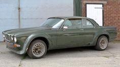 Jaguar XJ Coupé from The New Avengers fetches at auction Classic Cars British, British Sports Cars, Vintage Sports Cars, Retro Cars, Citroen Ds, Jaguar Type E, Jaguar Cars, Rolls Royce, Porsche 911