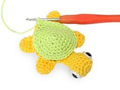 Háčkovaná želvička   Korálky.stoklasa.cz Crochet Earrings, Crochet Hats, Knitting Hats
