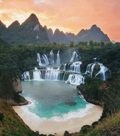 Top 10 Most Beautiful Places To Visit Before You Die! Top 10 Most Beautiful Places To Visit Before You Die! Beautiful Places To Travel, Cool Places To Visit, Wonderful Places, Romantic Places, Amazing Places, Beautiful Waterfalls, Beautiful Landscapes, Natural Waterfalls, Famous Waterfalls