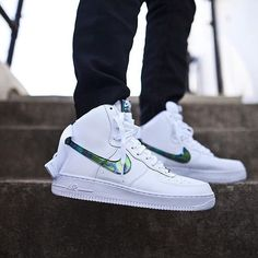 wholesale dealer a5e7a 68dc0 Nike Air Force 1 High Lv8 Iridescent