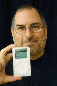 Steve Jobs | Introducing the iPod 2001