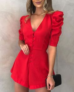 Red is always a good idea . Elegant Outfit, Classy Dress, Classy Outfits, Dope Fashion, Girl Fashion, Fashion Looks, Fashion Outfits, Cute Summer Outfits, Cool Outfits