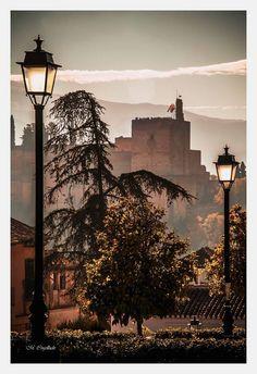 Mañana entre celajes en la Huerta de Carlos del Albayzin (Granada-España) Fotografía de Manuel Cogolludo