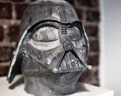 Concrete Darth Vader Head made out of solid concrete in 13 inch height. - Darth Vader Kopf aus massiven Beton gegossen. 32 cm Höhe