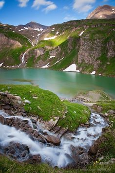 An impressive area: Paradise Lake, Hohe Tauern, National Park, Austria Places Around The World, Oh The Places You'll Go, Places To Travel, Places To Visit, Around The Worlds, All Nature, Amazing Nature, Wonderful Places, Beautiful Places