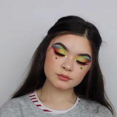 Super Ideas Music Production Tips Tutorials Makeup Makeup Eye Looks, Eye Makeup Steps, Eye Makeup Art, Beautiful Eye Makeup, Colorful Eye Makeup, Crazy Makeup, Glam Makeup, Pretty Makeup, Skin Makeup