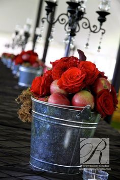 rustic country fall apple wedding decor / http://www.himisspuff.com/apples-fall-wedding-ideas/11/