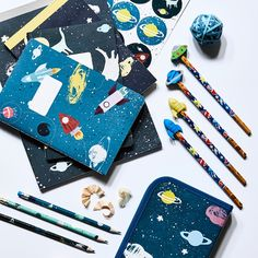 Hilmer really likes the new astronaut items. Pencil cases prices from DKK 1490…