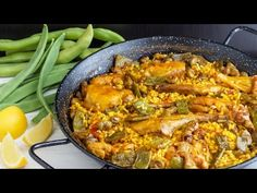 Paella Valenciana is the original Paella recipe. Paella Valenciana contains chicken and rabbit, vegetables, beans and, very rarely nowadays, fresh snails. Spanish Cuisine, Spanish Dishes, Spanish Rice, Spanish Food, Spanish Recipes, Mexican Recipes, Valenciana Recipe, Paella Recipe, Happy Foods