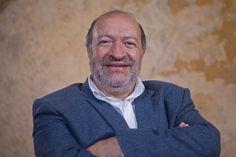 El gran hombre del teatro, @octavioarbelaez ; el hombre que le abrió las puertas al teatro latinoamericano http://www.eltiempo.com/cultura/arte-y-teatro/octavio-arbelaez-el-hombre-que-le-abrio-las-puertas-al-teatro-latinoamericano-104198 #teatro