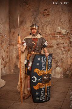 Legio X Fretensis Roman Sionis, Roman Gods, Ancient Rome, Ancient History, Roman Drawings, Roman Armor, Roman Warriors, Roman Legion, Roman Soldiers