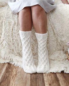 Fluffy Socks, Cozy Socks, Thick Socks, Knitting Terms, Knitting Patterns, Knitting Ideas, Knitting Projects, Cable Knit Socks, Knitting Socks