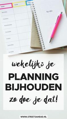 Je hebt het gedaan: een prachtige planning gemaakt voor de komende maand of zelfs het komende jaar. Maar een week later klopt er al helemaal niets meer van. Een deel van wat erop staat is totaal onrelevant geworden en allerlei nieuwe taken ontbreken. Nog een week later heb je het idee dat je je planning wel de deur uit kan gooien. Wacht even! Er is een oplossing voor en dat is simpelweg: je planning bijhouden. Dit is hoe je dat doet!