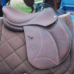 Palm Beach saddle was designed to improve rider position and have a high comfort level