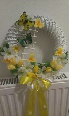 Sun Paper, Diy And Crafts, Arts And Crafts, Place Mats Quilted, Easter Wreaths, Quilling, Origami, Projects To Try, Crafty