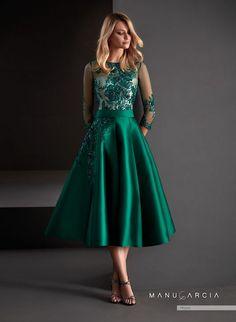 They met… godmother dress Bridesmaid Dresses, Prom Dresses, Summer Dresses, Formal Dresses, Wedding Dresses, Hijab Evening Dress, Evening Dresses, Elegant Dresses, Beautiful Dresses