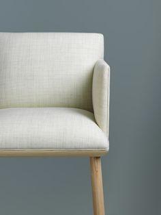 Stefan Borselius develops Tondo chair into sofa system