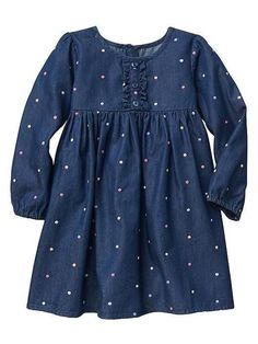Dot chambray long-sleeve dress Long-sleeved dress in chambray with polka dots Dresses Kids Girl, Kids Outfits Girls, Little Girl Dresses, Cute Dresses, Girl Outfits, Dress Outfits, Little Girl Fashion, Fashion Kids, Baby Frocks Designs