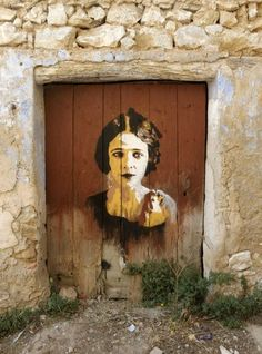 unusual and creative painted doors, Italy 2