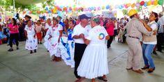 Oaxaca Digital | Deleita la banda de música de la SSPO a adultos mayores en Pochutla