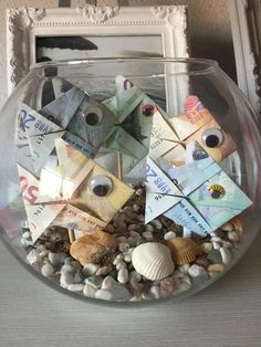 Wedding traditions - Which ones would you not meet at your wedding? Creative Money Gifts, Cool Gifts, Diy Gifts, Mens Valentines Gifts, Holiday Gifts, Hobbies And Crafts, Fun Crafts, Money Creation, Diy Presents