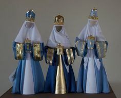 K12: Blue kings with gold trims