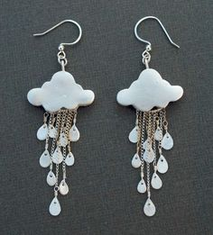 silver clay rain cloud earrings - these are adorable! Cute Jewelry, Jewelry Crafts, Jewelry Accessories, Handmade Jewelry, Jewelry Design, Unique Jewelry, Earrings Handmade, Funky Earrings, Diy Earrings