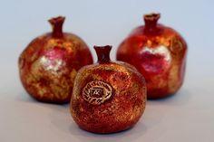 Gestalten | The Pomegranates by Alexandra Kaminker - sculptor,designer