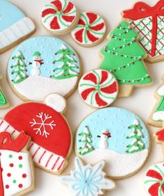 Christmas Sugar Cookies with Icing | Royal Icing Cookies: 24 Ways to Decorate a Sugar Cookie - mom.me