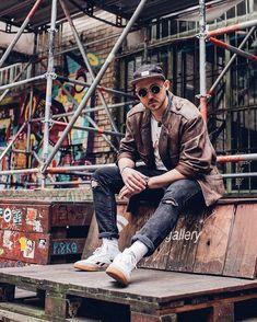Berlin urbex photoshoot Berlinksy. #breakingrocks #leopard #sunglasses #graffiti #berlin #urban #urbex #streetfashion #ootdformen