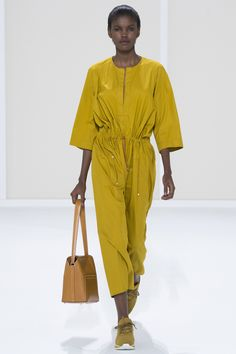 Hermès Spring/Summer 2016 Fashion Show