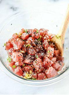 Pessoal, hoje trouxe a receita de Poke, um prato típico do Havaí, delicioso e pouco calórico. Venham conferir e aprender também!