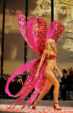 9757da07af Heidi Klum for Victoria s Secret Fashion Show Fashion Models