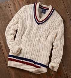 The perfect preppy sweater (and made in… Preppy Outfits, Mode Outfits, Preppy Sweater, Men Sweater, Preppy Inspiration, Preppy Mens Fashion, Tennis Fashion, Prep Style, Men Style Tips