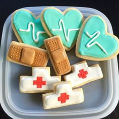 Vanilla almond sugar cookies decorated with royal icing for National Nurses Day. Thanks nurses for all you do! Cookies Cupcake, Nurse Cookies, Galletas Cookies, Iced Cookies, Cut Out Cookies, Royal Icing Cookies, Cookies Et Biscuits, Cookie Favors, Baby Cookies