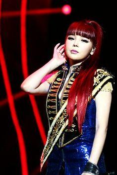 2NE1 || MAMA AWARDS 2015 HK || Bom