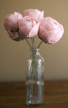 Hand-Etched Vase with 7 Pink Fabric Flowers