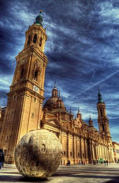 Place: Basilica de la Virgen del Pilar, Zaragoza / Aragón, Spain. Photo by: Bardaxi (flickr.com)