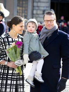 księżna koronna Szwecji Wiktoria, księżniczka Östergötland Estelle, książę Västergötland Daniel - 12.III.2014r.