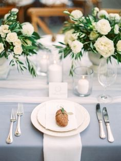 Clean, classic grey and white tablescape. Floral design by Gavita Flora // Photography by The Grovers // Venue: Villa Montalvo #gavitaflora #wedding #flowers #centerpiece #Italianinspiredwedding