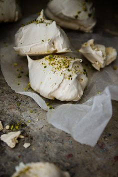 Pistachio Meringues To Die For