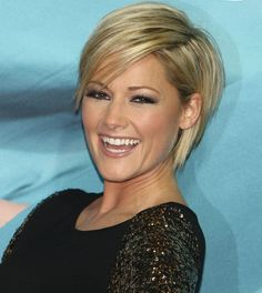 ladies and man Helene Fischer short hair come with a design of 2017 hairstyles for short hair. In the Website you need cool hair, looking for hairstyles. Short Hair Hairstyle Men, Short Bob Hairstyles, Short Hair Cuts, Wedding Hairstyles, Cool Hairstyles, Short Hair Styles, Haircut And Color, Short Blonde, Hair Pictures