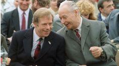 Vaclav Havel with Alexandr Dubcek in Prague in 1990 Charles Chaplin, Marie Curie, Mahatma Gandhi, James Dean, European Countries, Steve Jobs, Audrey Hepburn, Czech Republic, Kolkata