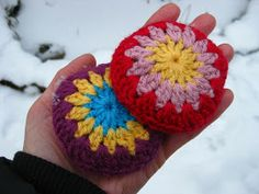 Crochet Handwarmers! Brilliant! These would make great gifts for all my Colorado friends!