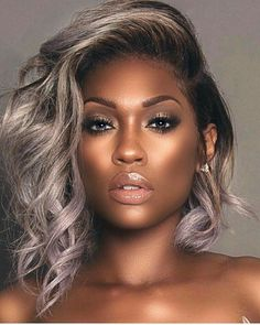 Cabelo-Platinado-Em-Morenas Best Short Hairstyles for Black Women 2018 – 2019 Curly Hair Styles, Natural Hair Styles, Maquillage Black, Ombre Hair Color, Wigs For Black Women, White Women, Black Girls Hairstyles, Black Hairstyles With Weave, Weave Hairstyles
