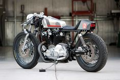 DP Customs Harley Davidson Cafe Racer - NAKED CAFE
