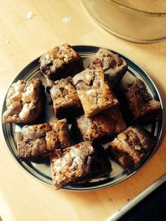 Absolutely yummy, and for those of you on Slimming World, just 3 syns a slice (when cut into 6) Ingredients 3 Eggs 50g Self Raising Flour 1 Curly Wurly 1 Cadburys Highlights Fudge Hot Chocolate...
