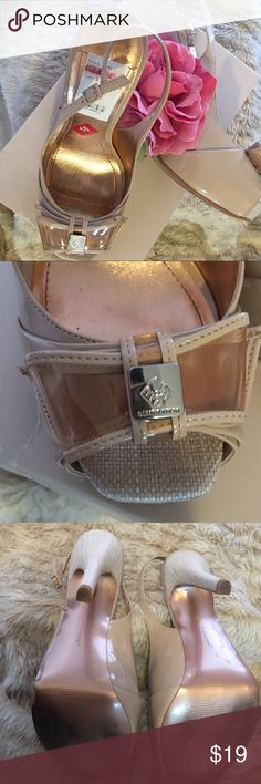 ☃️BCBGeneration Slingback Peep toe Heels☃️ Adorable peep toe heels cute bow on the toe. Cute and sexy peep toe sling back heels! Great condition! Can dress up or dress down! A few minor scuffs but otherwise great condition! You will love these shoes!! Size 10! BCBGeneration Shoes Heels